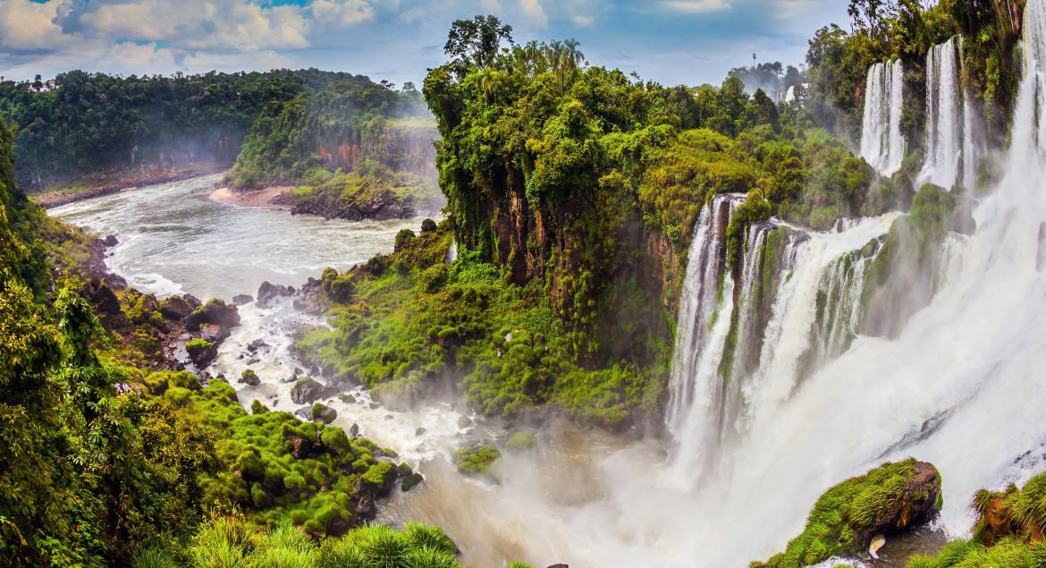 banner of Brazil Makes For an Excellent Adventure Vacation (travelbureau)