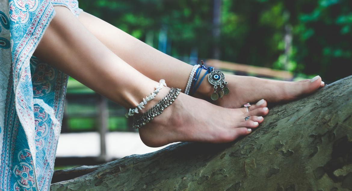 banner of Anklets Look Great On Anyone Who Likes Showing Off their Calves and Feet